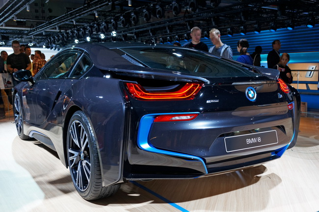 BMW i8 IAA 2013 02 cropped